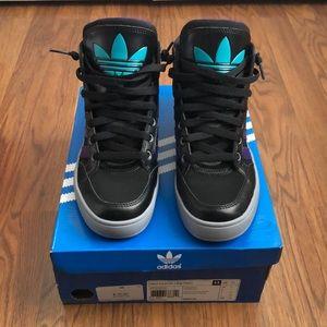 Adidas Hard Court HI Big Trefoil Sneakers